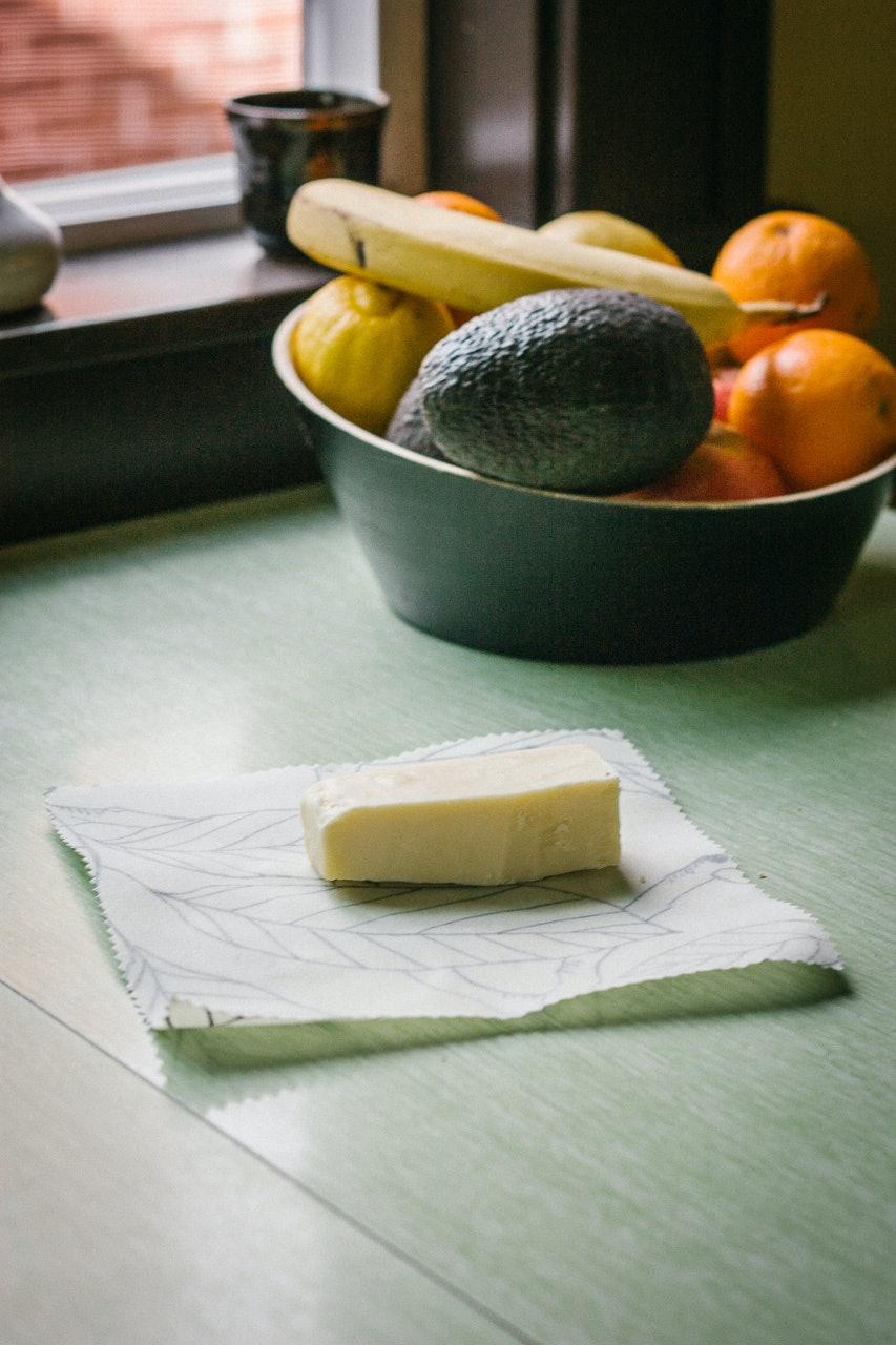 Reusable food wrap DIY by Conscious by Chloé