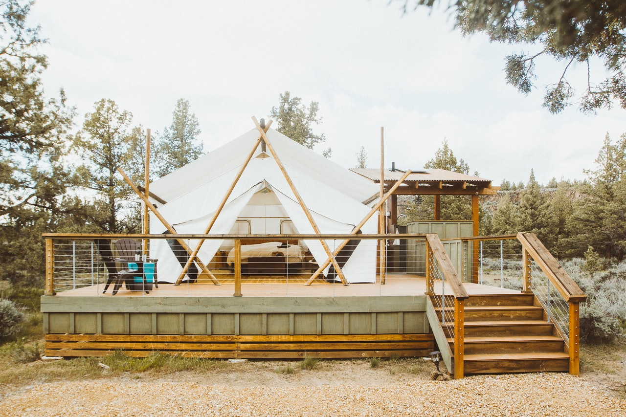 Travel - A Glamping Retreat in Central Oregon