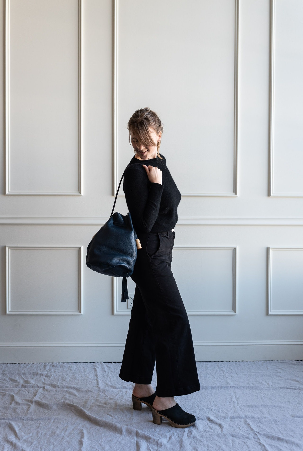 Fall 10x10 Day 3 Look - Everlane Cashemere Crew Sweater & Wide Leg Crop Pants in Black by Conscious by Chloé