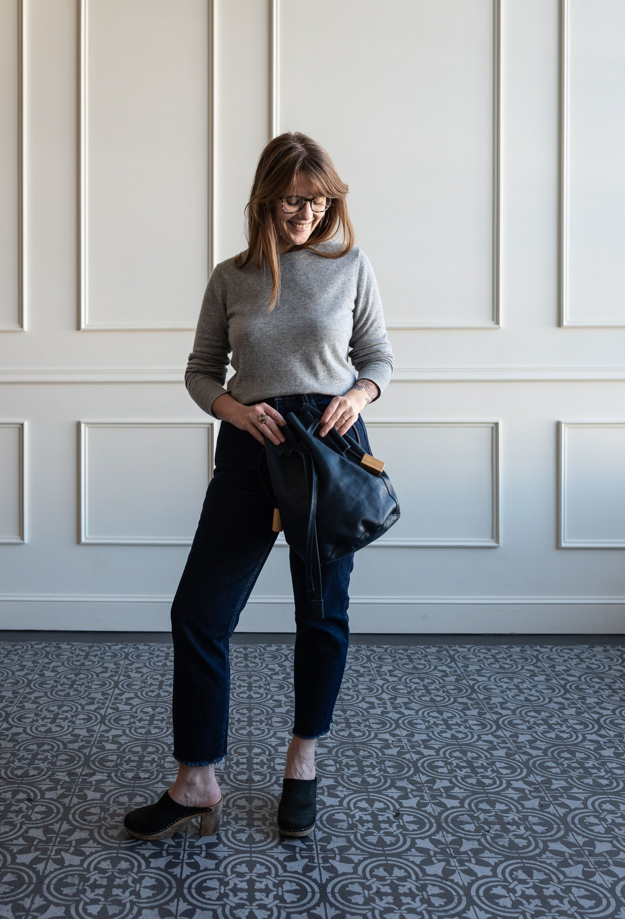 Fall 10x10 Day 4 Look - Everlane Cashmere Crew Sweater in Heather Grey by Conscious by Chloé