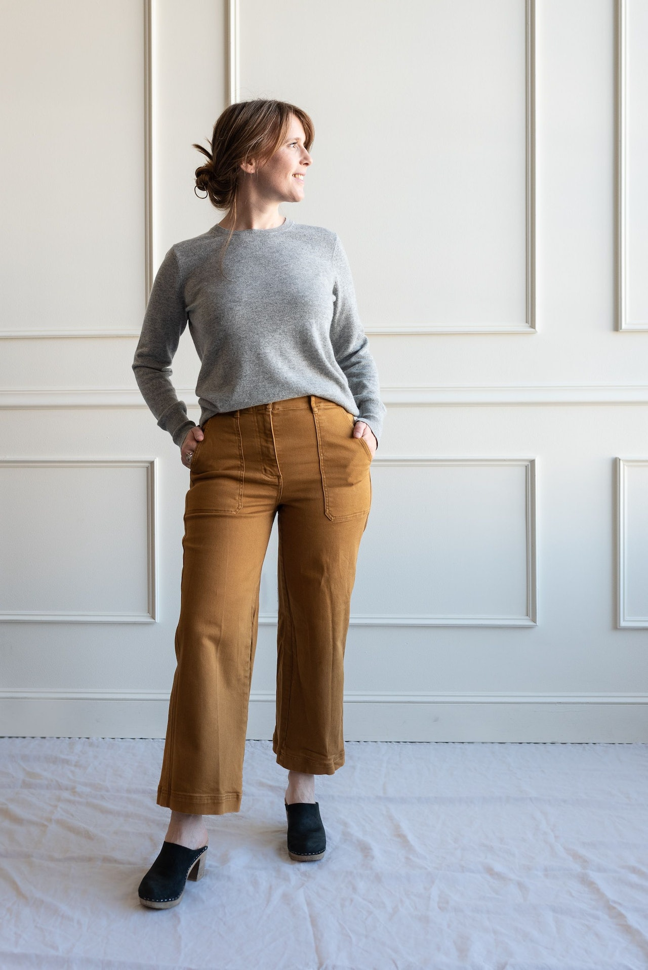 Fall 10x10 Day 5 Look - Everlane Utility Pants in Golden Brown & Cashmere Crew Sweater in Heather Grey by Conscious by Chloé