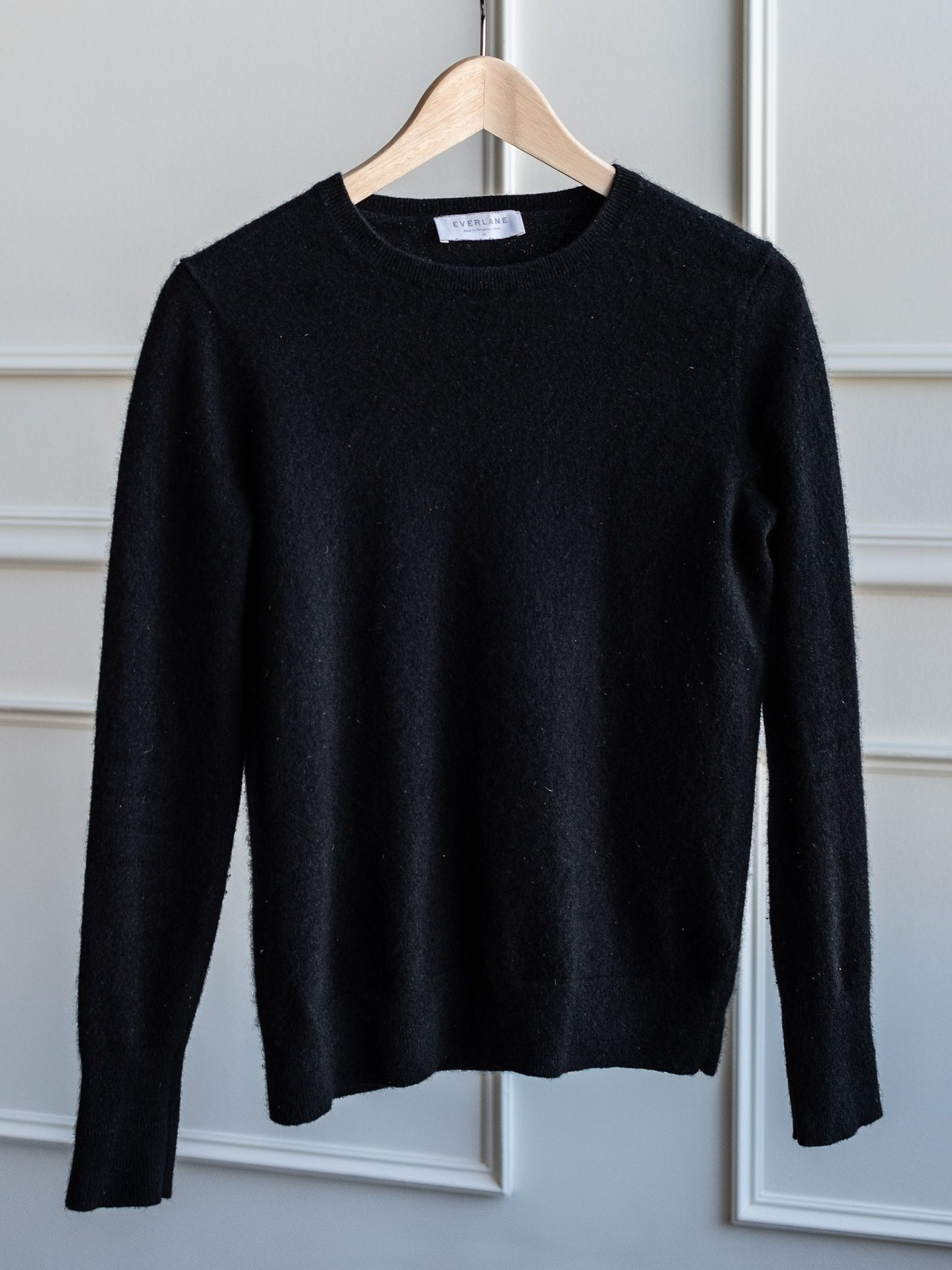 Everlane Cashmere Crew Black by Conscious by Chloé