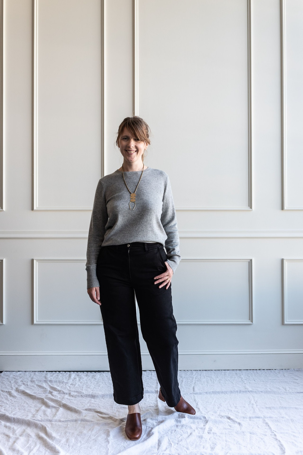 Fall 10x10 Day 8 Look - Everlane Black Cashmere Sweater, Black Crop Pants & Nisolo Brandy Mules by Conscious by Chloé