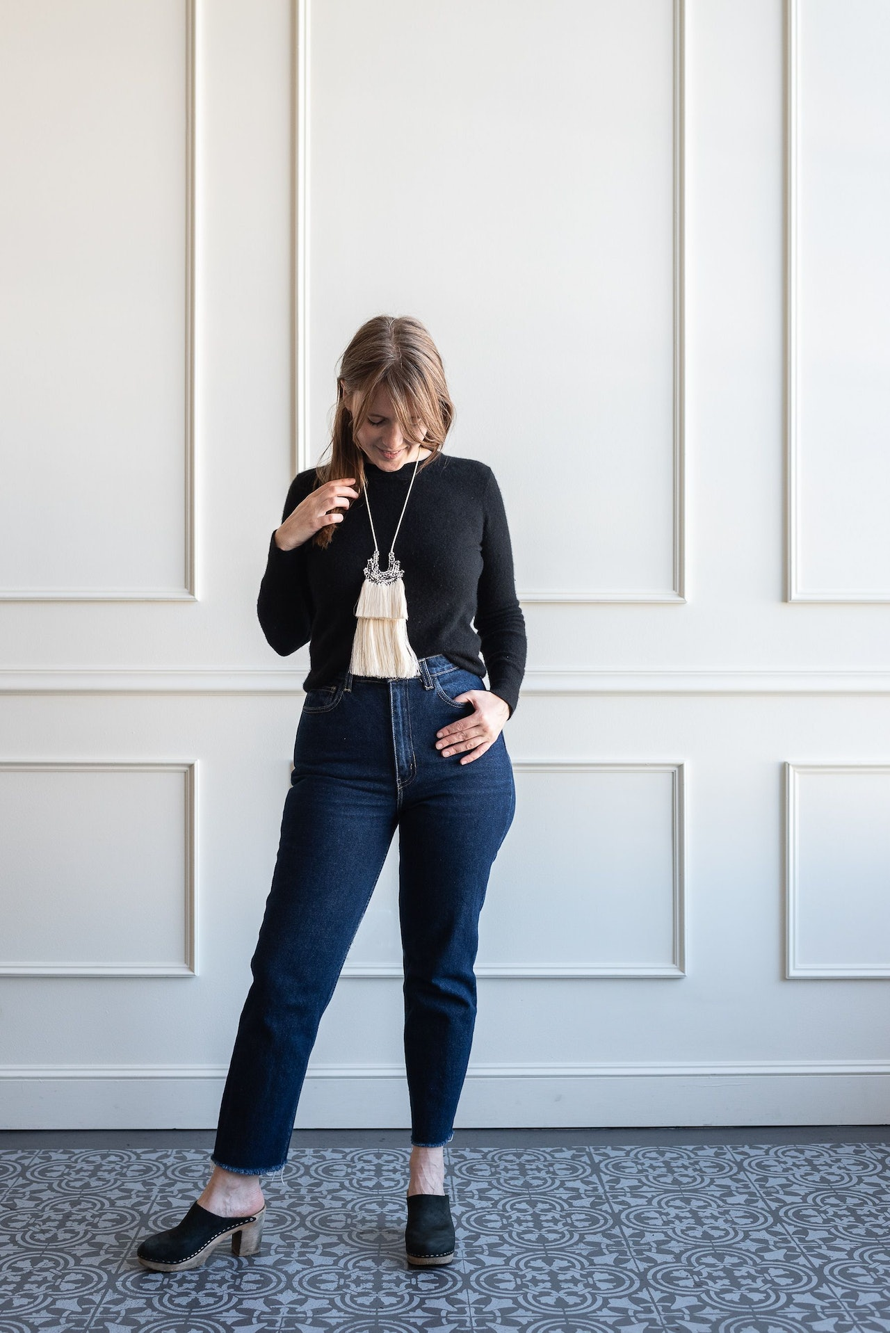 Fall 10x10 Day 8 Look - Everlane Black Cashmere Sweater & Nina Z Black Clogs by Conscious by Chloé