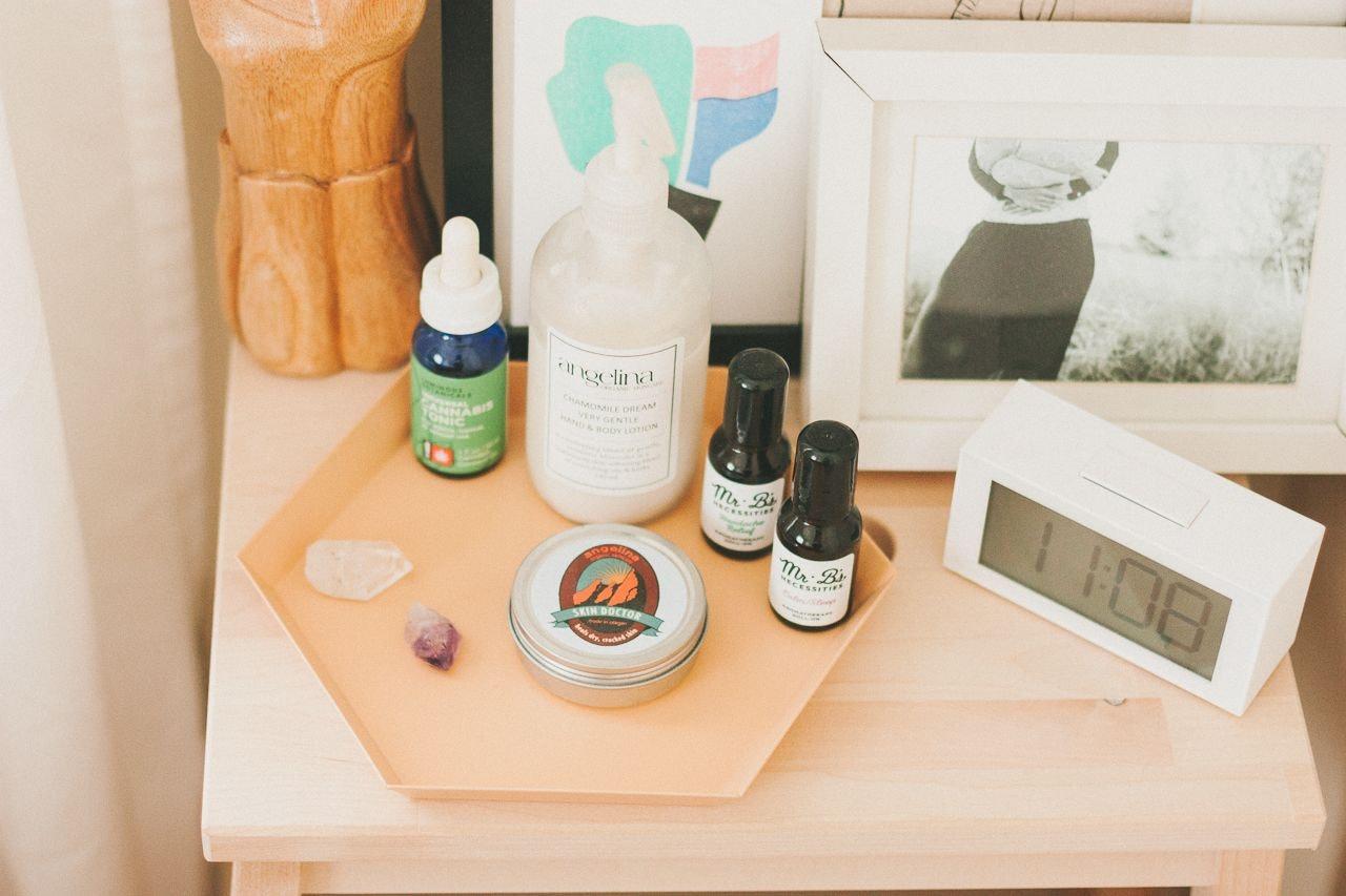 consciousbychloe-bedside-essential-oils-cbd